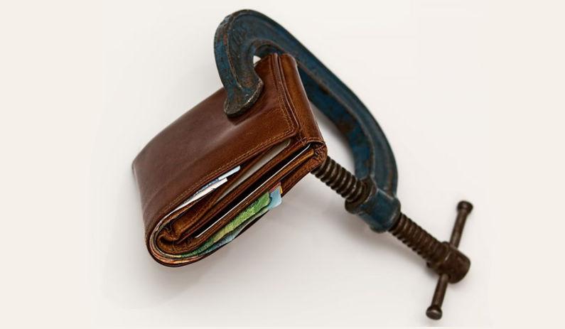 Dirk Ulbricht gibt Tipps in der Welt zur Vermeidung einer Überschuldung